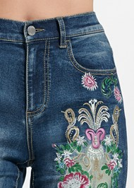 Detail front view Embellished Denim Capri Jeans