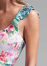 Detail front view Floral Lace Dress