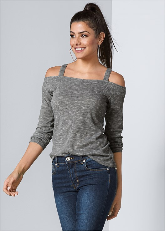 COLD SHOULDER CASUAL TOP,COLOR SKINNY JEANS,SQUARE HOOP EARRINGS,WRAP STITCH DETAIL BOOTIES
