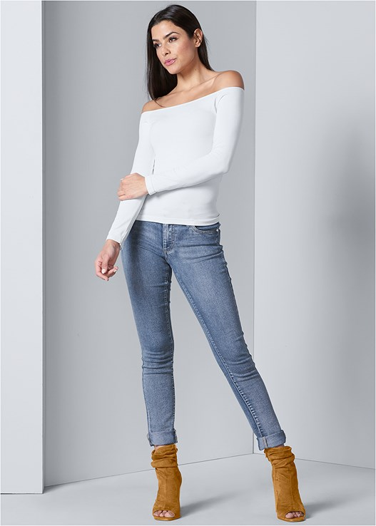 COLOR SKINNY JEANS,OFF THE SHOULDER TOP,OPEN HEEL BOOTIE