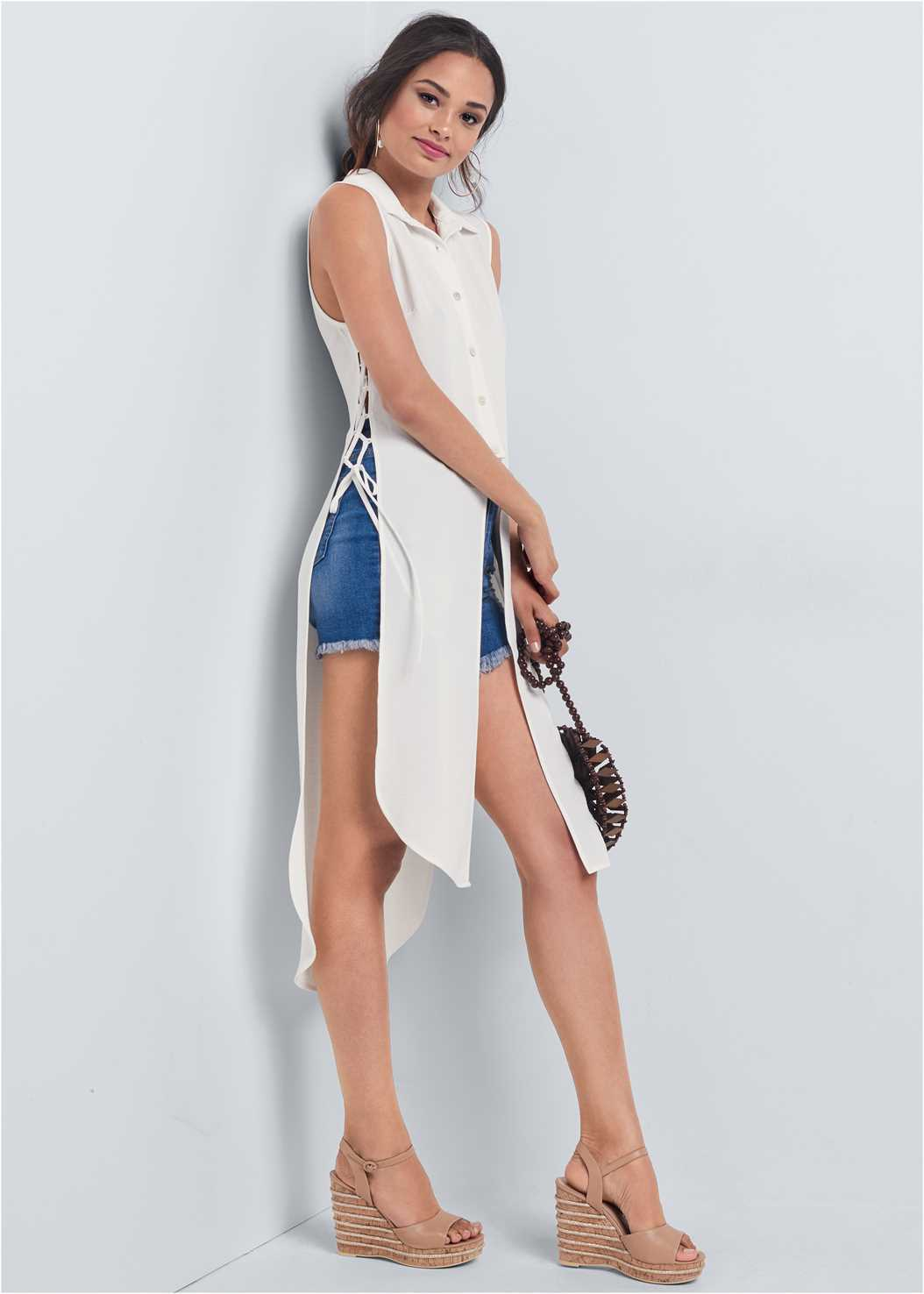 Side Lace Up Maxi Top,Distressed Jean Shorts,Circle Basket Wooden Bag