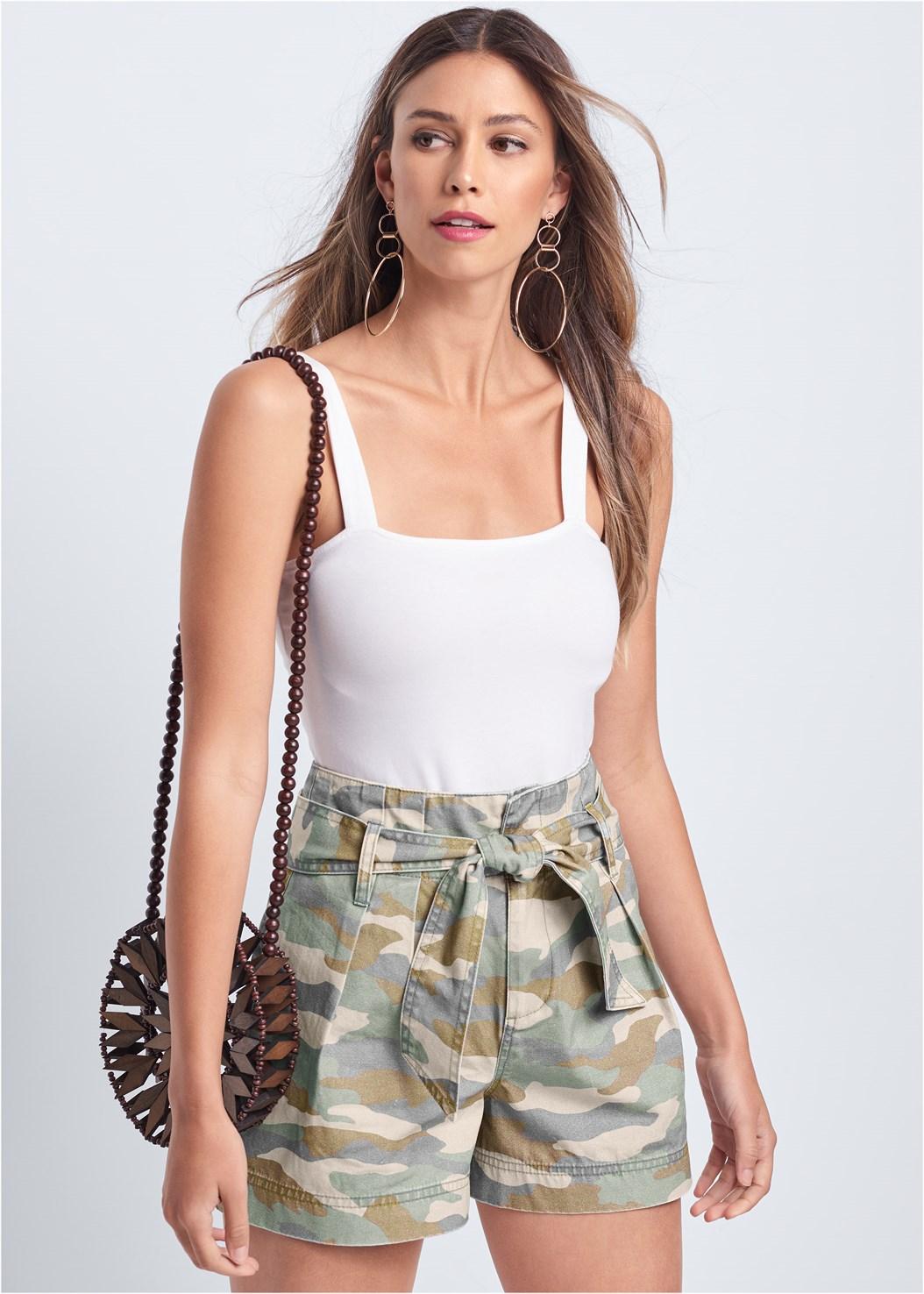 Belted Camo Shorts,Square Neck Bodysuit,Circle Basket Wooden Bag