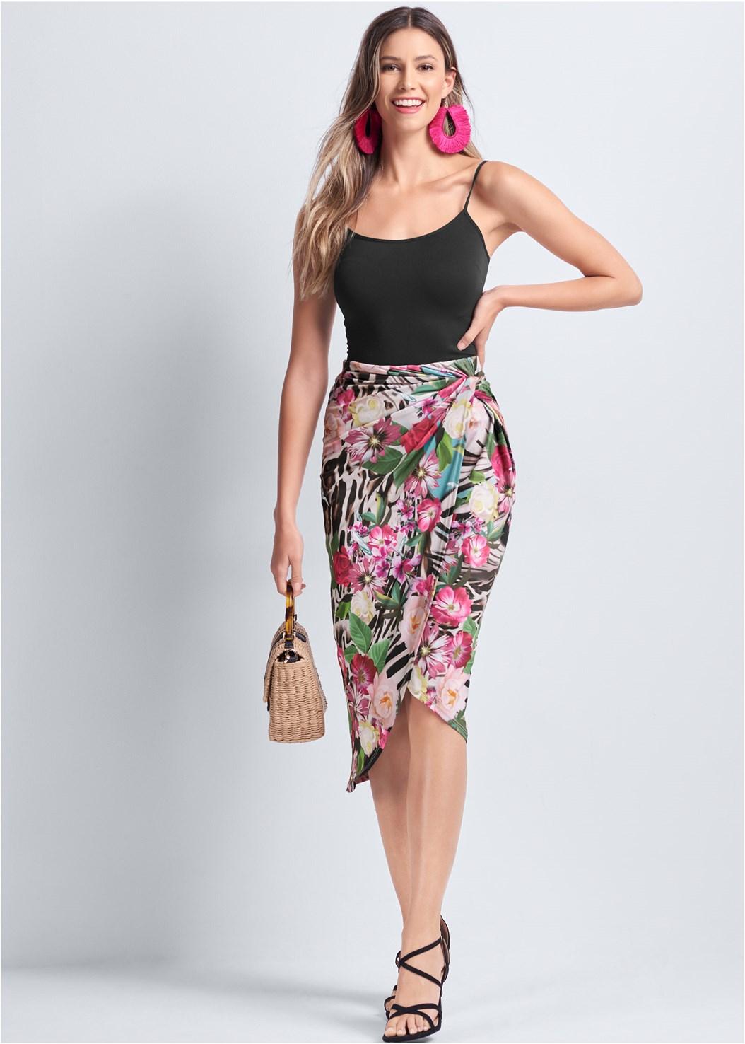 Tropical Print Midi Skirt,Basic Cami Two Pack,Oversized Fringe Earrings,Wicker Straw Bag