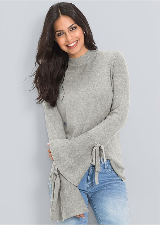 TRUMPET SLEEVE SWEATER,COLOR SKINNY JEANS