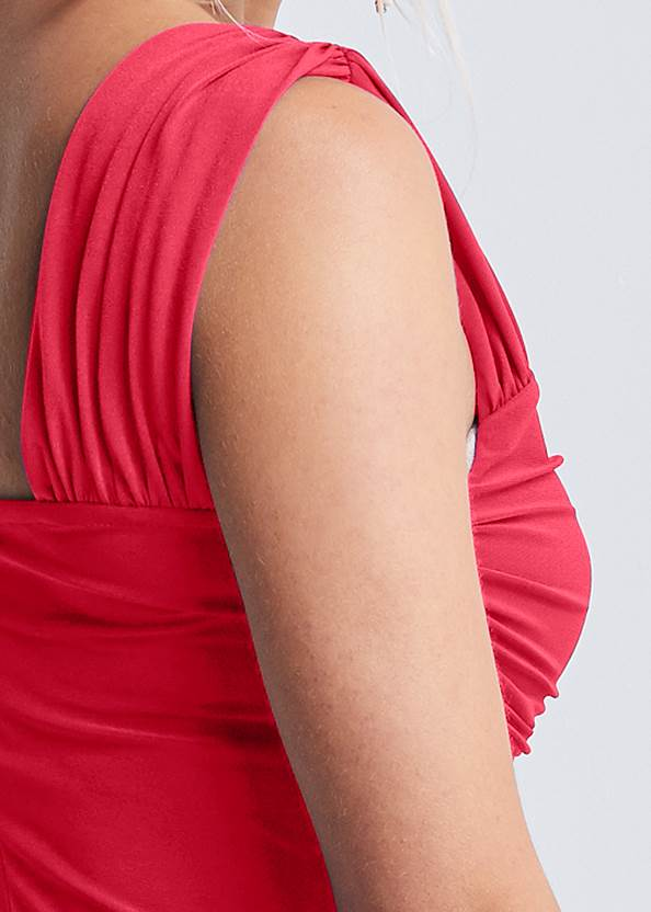 Detail back view Ruched Sweetheart Top