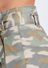 Detail side view Belted Camo Shorts