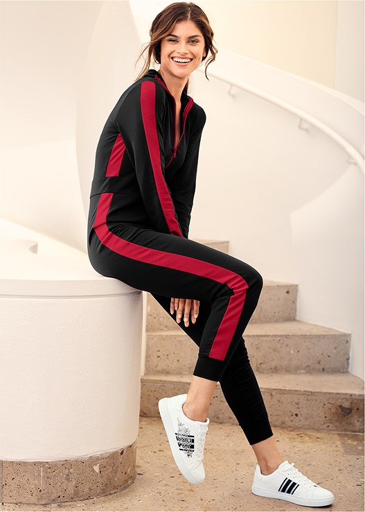 STRIPE LOUNGE JUMPSUIT,ZIP-UP SPORTS BRA 2 PACK