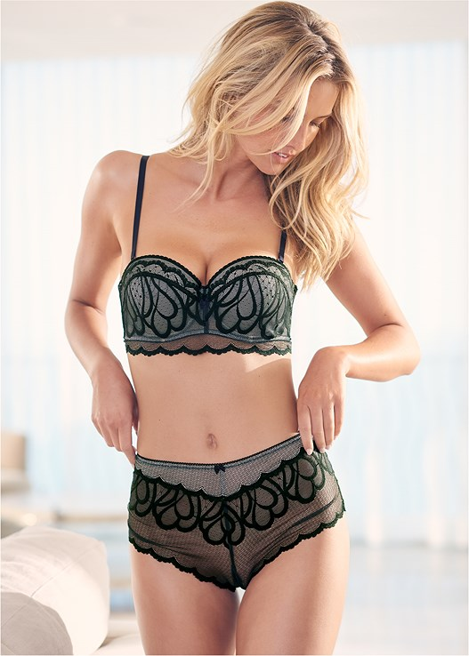 SHEER LACE HIPSTERS,FRONT CLOSE WIRE BRALETTE,CONVERTIBLE MOLDED BRA