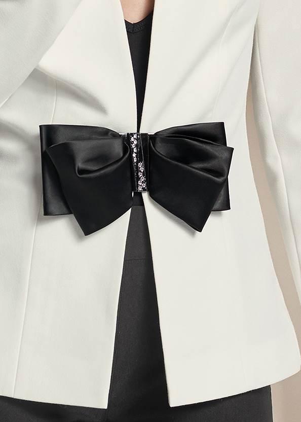 Detail front view Bow Detail Blazer