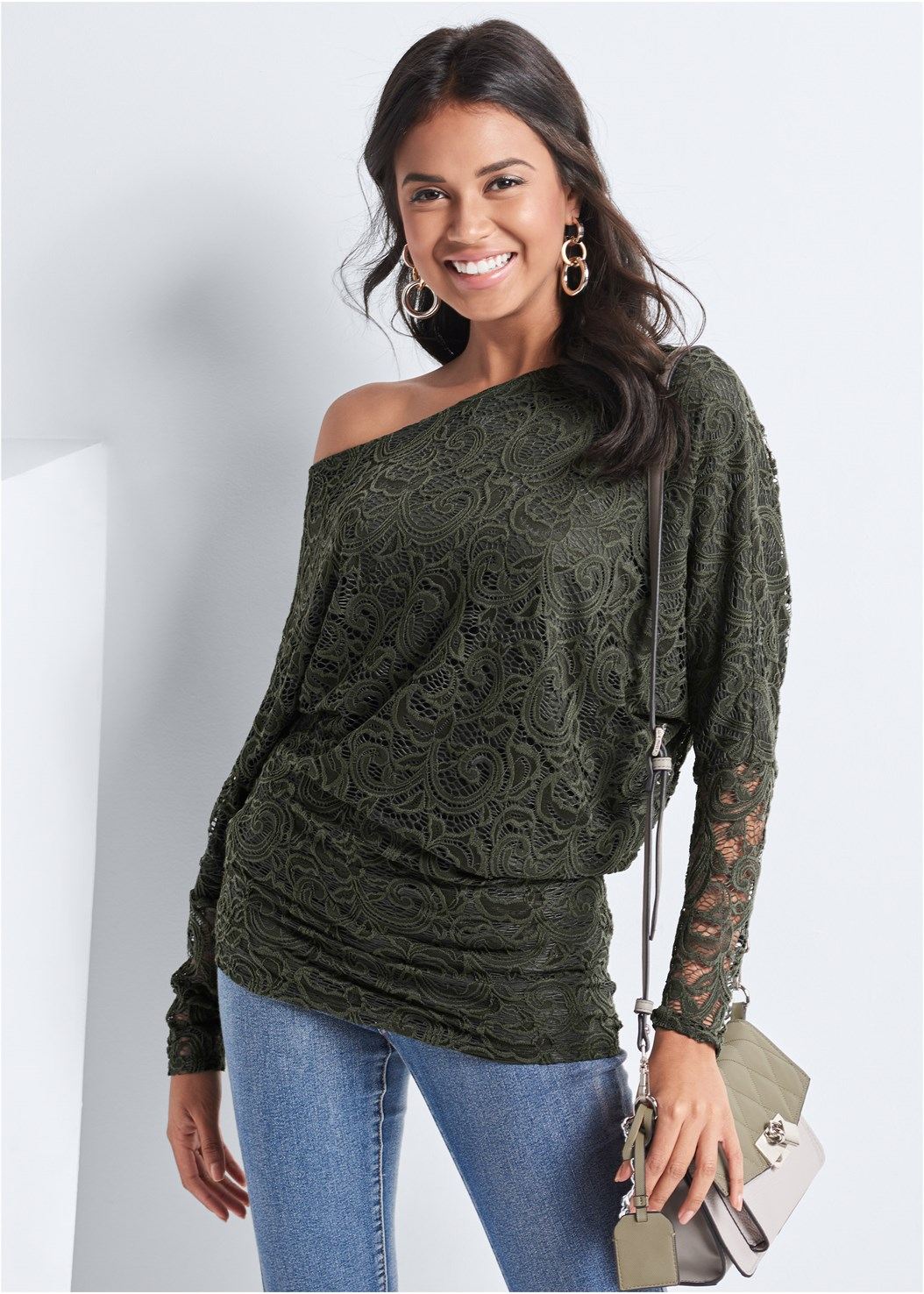 Lace Top,Mid Rise Color Skinny Jeans,Peep Toe Booties,Mix Metal Link Earrings