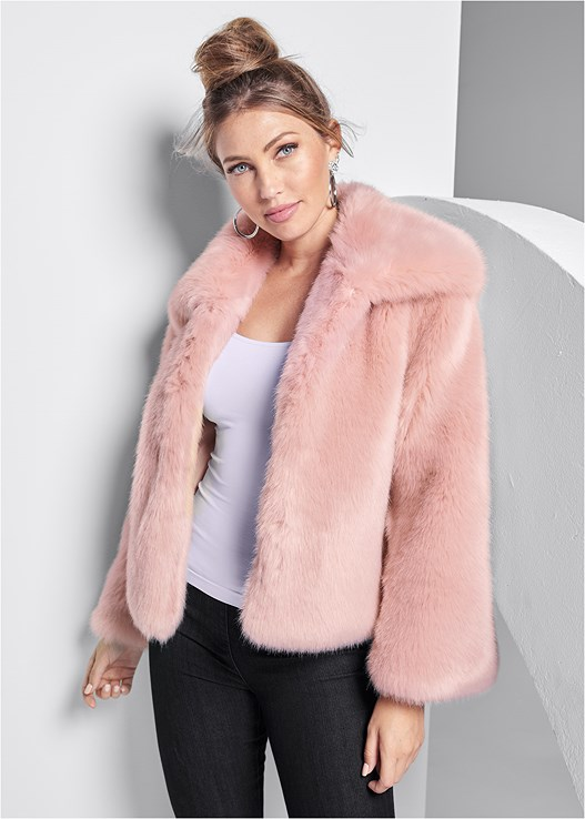 FAUX FUR COAT,SEAMLESS CAMI,SLIMMING STRETCH JEGGINGS,TIGER DETAIL EARRINGS,CIRCLE DETAIL BOOTIES
