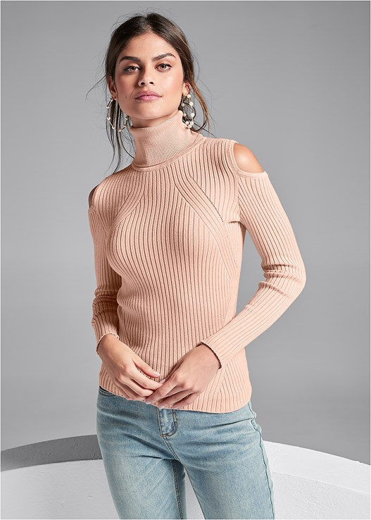 RIBBED TURTLENECK,WRAP STITCH DETAIL BOOTIES
