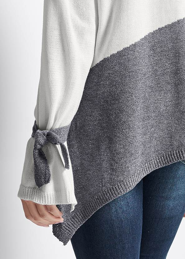 Detail back view Color Block Sweater