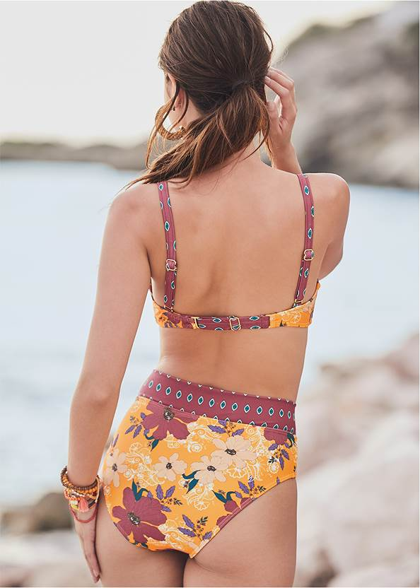 Back View Hibiscus Bottom