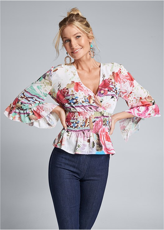 FLORAL SURPLICE TOP,SLIMMING STRETCH JEGGINGS,BLOCK HEELS
