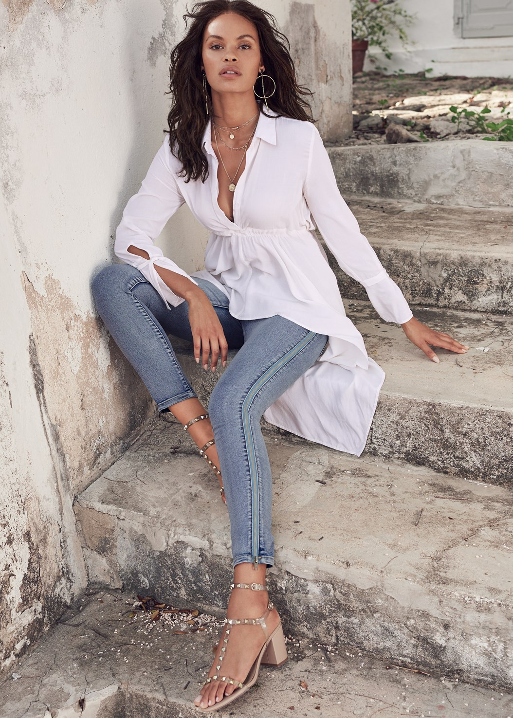 High Low Blouse,Side Zipper Jeans,Transparent Studded Heels,Lucite Detail Print Heels,Circular Straw Bag