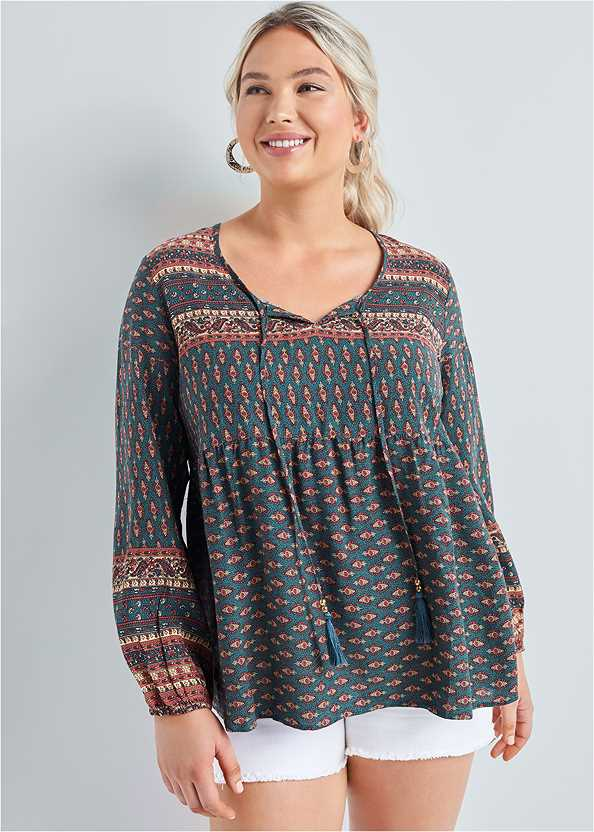 Boho Printed Top,Frayed Cut Off Jean Shorts,Bead Detail Crochet Bag