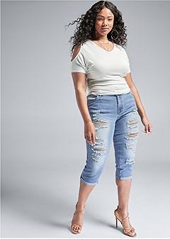 plus size distressed jean capris