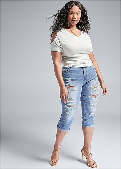 Plus Size Ripped Capri Jeans