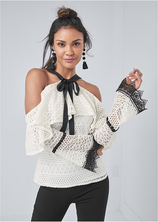 COLD SHOULDER CROCHET TOP,SLIMMING STRETCH JEGGINGS,EVERYDAY YOU STRAPLESS BRA,STRAPPY HEELS