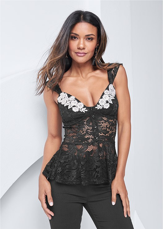 BUTTON FRONT LACE TOP,SLIMMING STRETCH JEGGINGS,CRISSCROSS STRAPPY HEEL