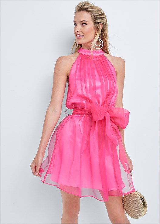 SLEEVELESS ORGANZA DRESS,FLOWER DETAIL HEELS,RING HANDLE CIRCLE CLUTCH,COLOR BLOCK HOOP EARRINGS