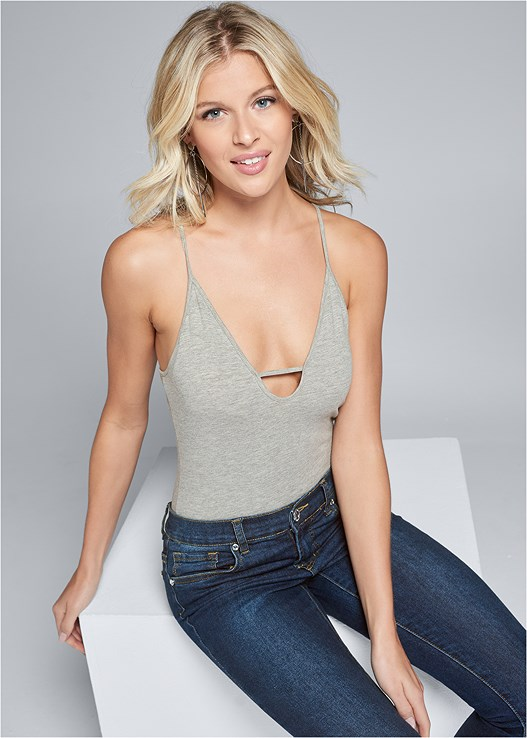 STRAPPY DETAIL BODYSUIT,COLOR SKINNY JEANS,LIFT IT UP BACKLESS AND STRAPLESS PLUNGE,HIGH HEEL STRAPPY SANDALS,HOOP DETAIL EARRINGS