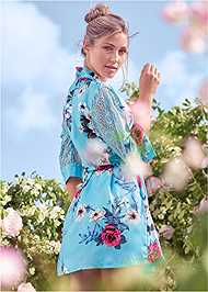 Back View Floral And Lace Sleep Robe