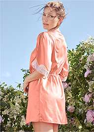 Back View Lace Detail Kimono