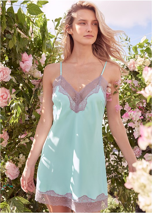 SATIN AND LACE DETAIL CHEMISE,STUDDED STRAPPY HEELS