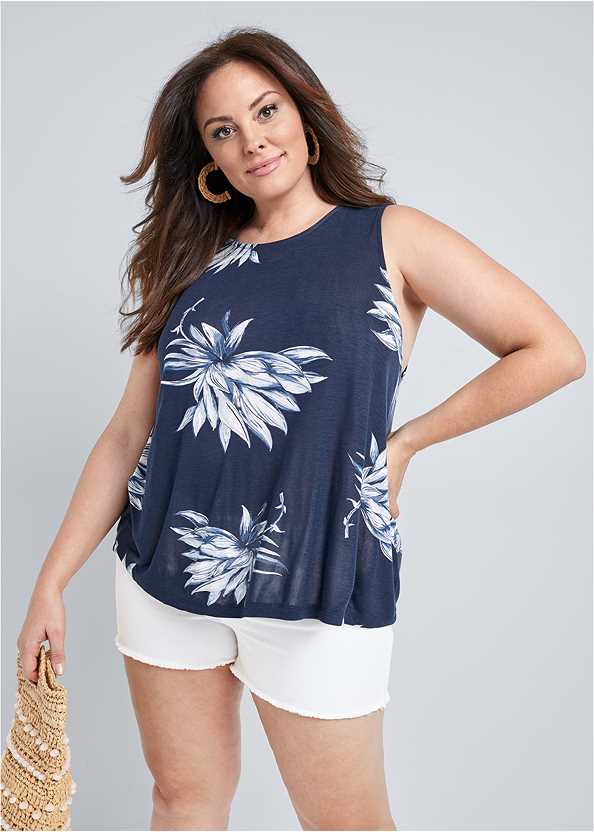 Open Back Floral Top,Frayed Cut Off Jean Shorts
