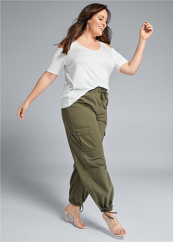 High Waisted Cargo Pants,Embellished Lucite Heel,Wicker Straw Bag