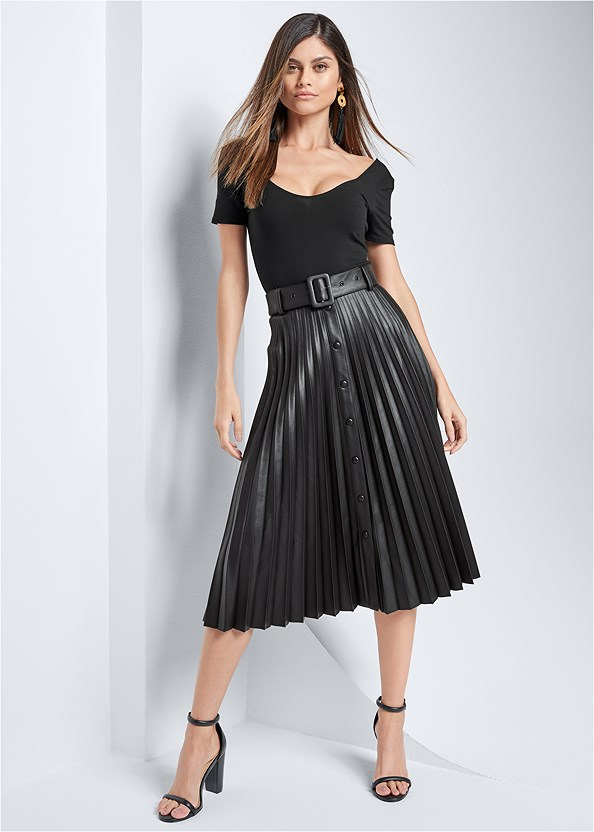 Pleather Pleated Skirt,Block Heels