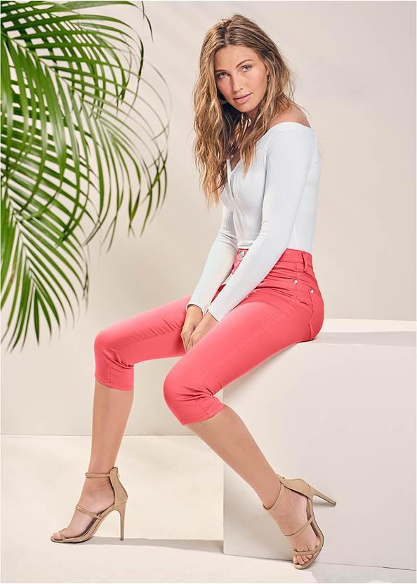Color Capri Jeans,Off The Shoulder Top,High Heel Strappy Sandals,Hoop Detail Earrings,Beaded Earrings,Stud Detail Crossbody