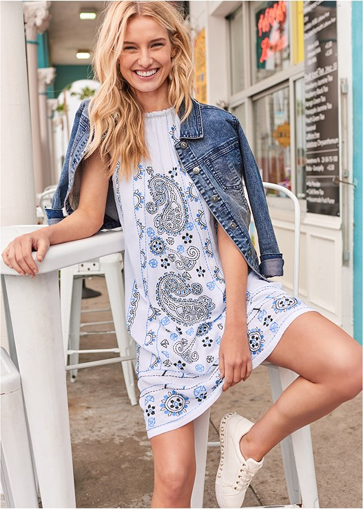 PAISLEY EMBROIDERED DRESS,EVERYDAY YOU STRAPLESS BRA,JEAN JACKET,PEARL DETAIL SNEAKERS,EMBELLISHED WEDGES,FRINGE EARRINGS,RAFFIA DETAIL BAG