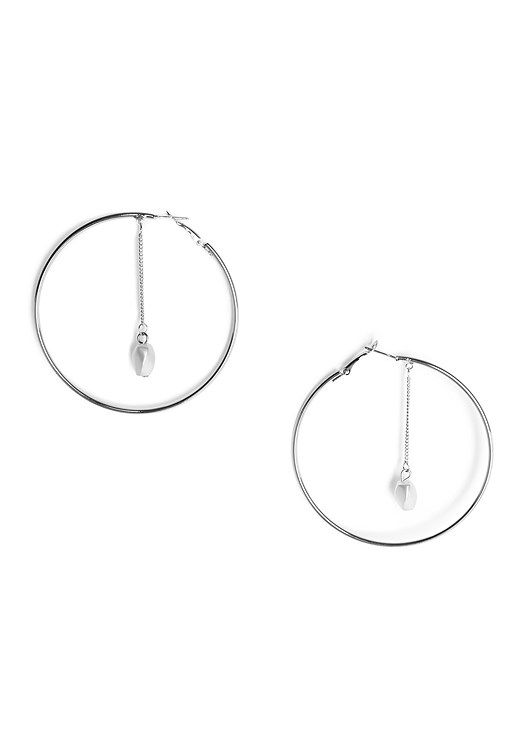 PEARL DETAIL HOOP EARRINGS,EMBELLISHED LINEN DRESS,STRAW BAG