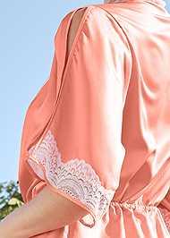 Alternate View Lace Detail Kimono