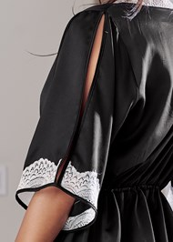 Alternate View Lace Detail Kimono