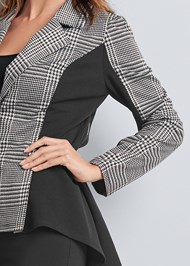 Detail front view High Low Houndstooth Blazer