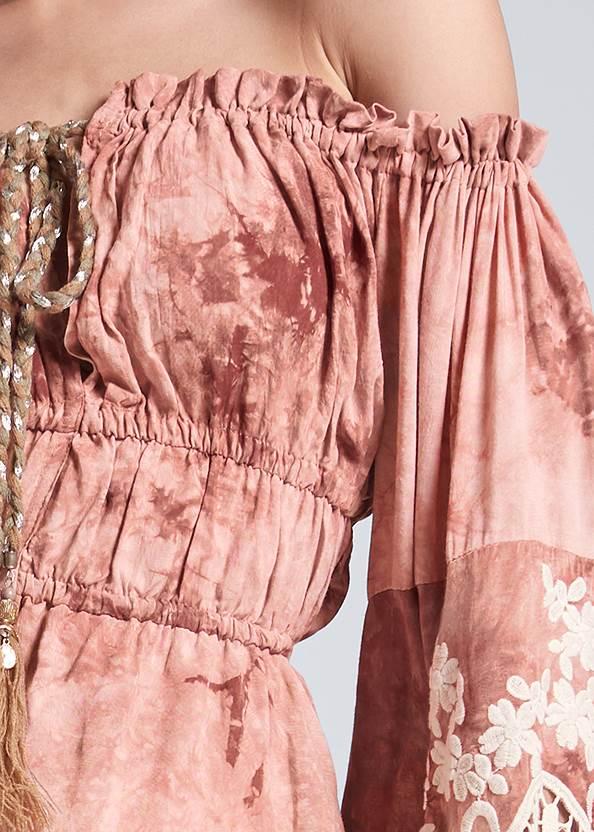 Detail front view Off Shoulder Tie Dye Top