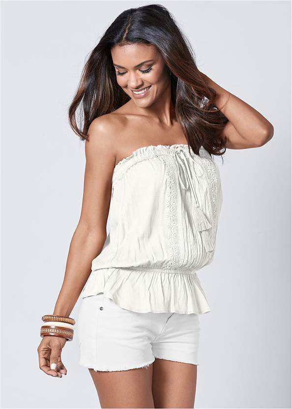 Tassel Detail Strapless Top,Frayed Cut Off Jean Shorts,Natural Beauty Lace Bandeau