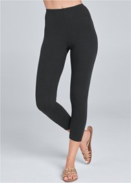Front View Capri Legging Two Pack