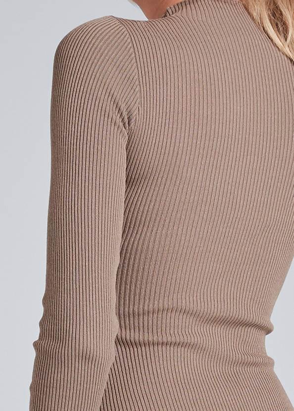 Detail back view Ribbed Button Detail Dress