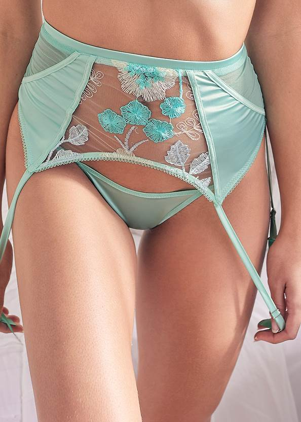 Alternate View Bra Panty Garter Set