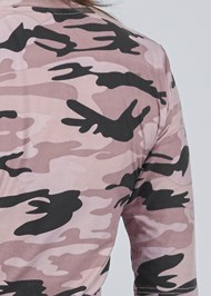 Detail back view Camo Top