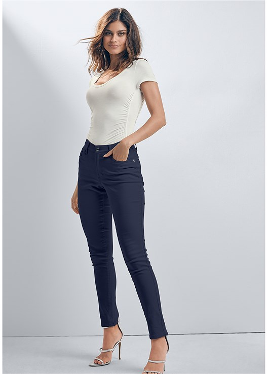 COLOR SKINNY JEANS,NAKED T-SHIRT BRA,HIGH HEEL STRAPPY SANDALS,COLOR BLOCK MULES