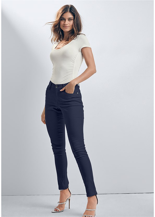 Mid Rise Color Skinny Jeans,Ruched Detail Top,Naked T-Shirt Bra,High Heel Strappy Sandals,Color Block Mules