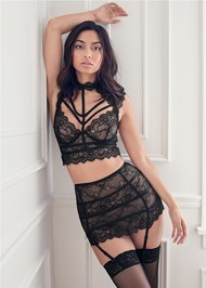Cropped Front View Lace Bra Skirt Set
