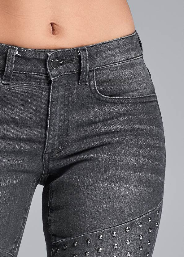Detail front view Stud Detail Skinny Jeans