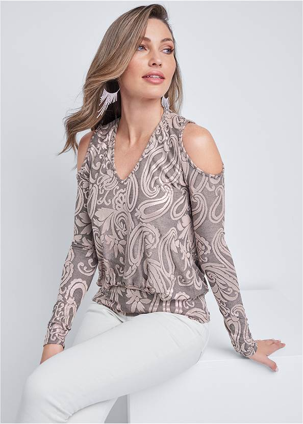 Shimmer Paisley Top,Mid Rise Color Skinny Jeans,Ankle Strap Heels